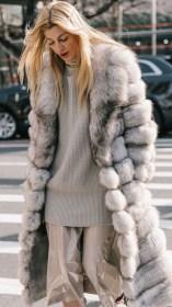 80 Fashionable Women Faux Fur Coats Look 62