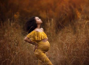 80 Outdoor Maternity Photoshoot Ideas 11