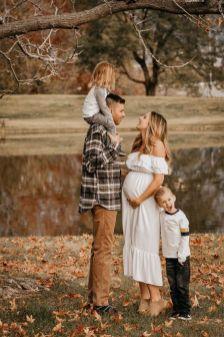 80 Outdoor Maternity Photoshoot Ideas 55