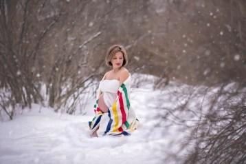 80 Outdoor Maternity Photoshoot Ideas 60