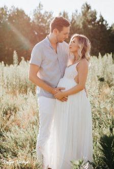 80 Outdoor Maternity Photoshoot Ideas 65