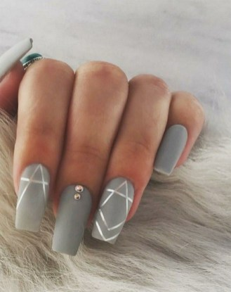 47 Simple Nail Art Design for This Winter Season Inspiration 36