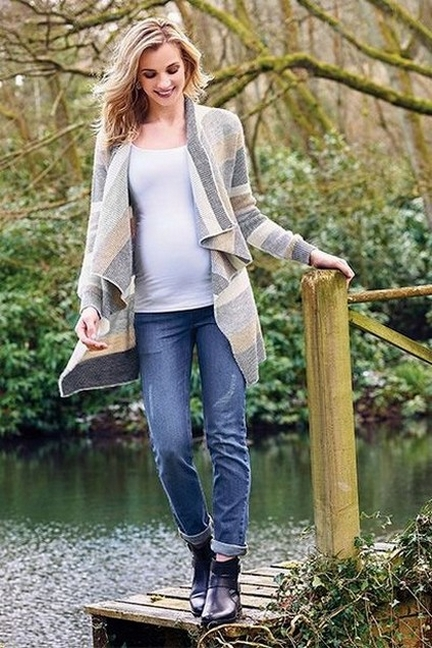 50 Comfy Jeans Outfits For Pregnant Women Ideas 53