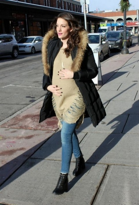 50 Comfy Jeans Outfits For Pregnant Women Ideas 54