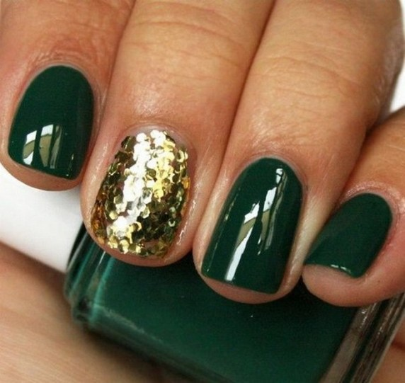 50 Cute and Festive Christmas Nail Design You Should to See 01