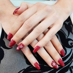 50 Cute and Festive Christmas Nail Design You Should to See 15