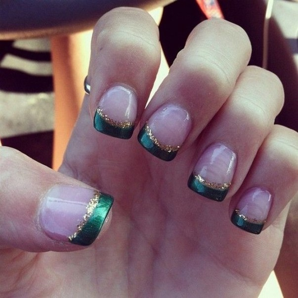 50 Cute and Festive Christmas Nail Design You Should to See 23