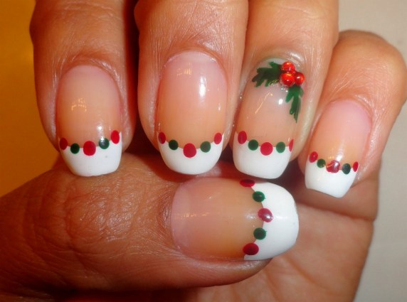 50 Cute and Festive Christmas Nail Design You Should to See 29