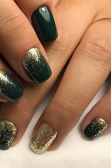50 Cute and Festive Christmas Nail Design You Should to See 33