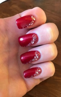 50 Cute and Festive Christmas Nail Design You Should to See 34