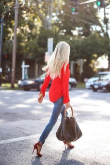 50 Modern Look Jeans and Red Shoes Outfit Ideas 03
