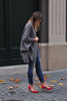 50 Modern Look Jeans and Red Shoes Outfit Ideas 42