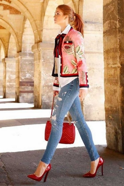 50 Modern Look Jeans and Red Shoes Outfit Ideas 44