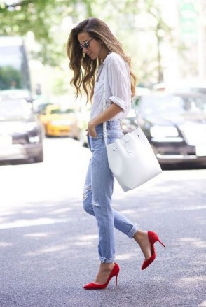 50 Modern Look Jeans and Red Shoes Outfit Ideas 46