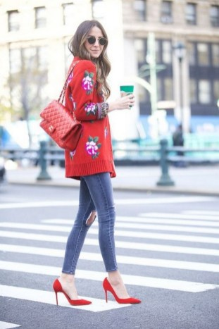 50 Modern Look Jeans and Red Shoes Outfit Ideas 49