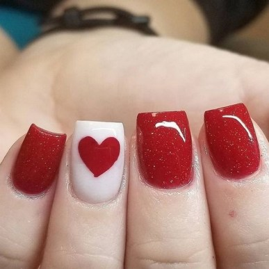 50 Nail Art Ideas for Valentines Day You Need to See 28
