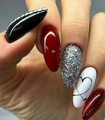 50 Nail Art Ideas for Valentines Day You Need to See 31