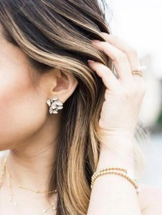 50 Stud Earring for Wedding Brides Ideas 29