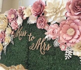 50 Stunning Paper Flower Decoration for Wedding Ideas 40