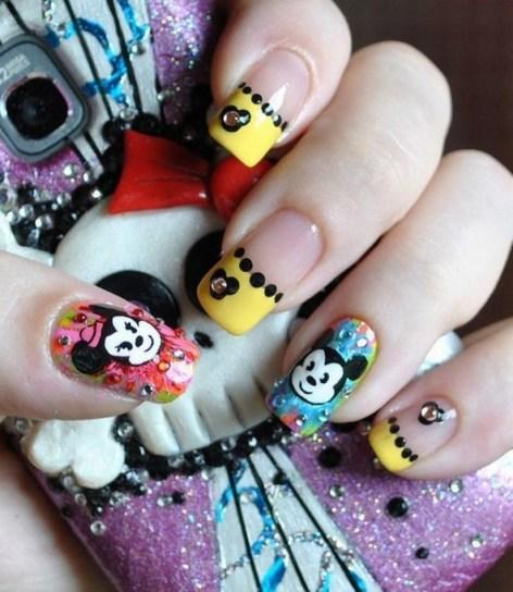 60 Disney Themed Nail Art Ideas 39