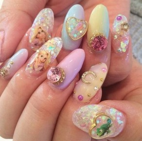 60 Disney Themed Nail Art Ideas 44