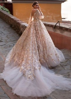 60 Gold Glam Wedding Dresses Inspiration 01