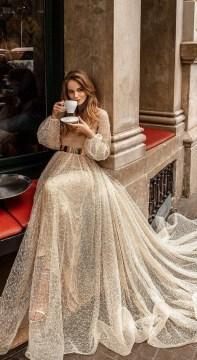 60 Gold Glam Wedding Dresses Inspiration 56