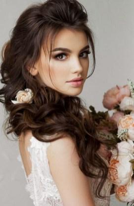 60 Inspiring Natural Bridal Look 07