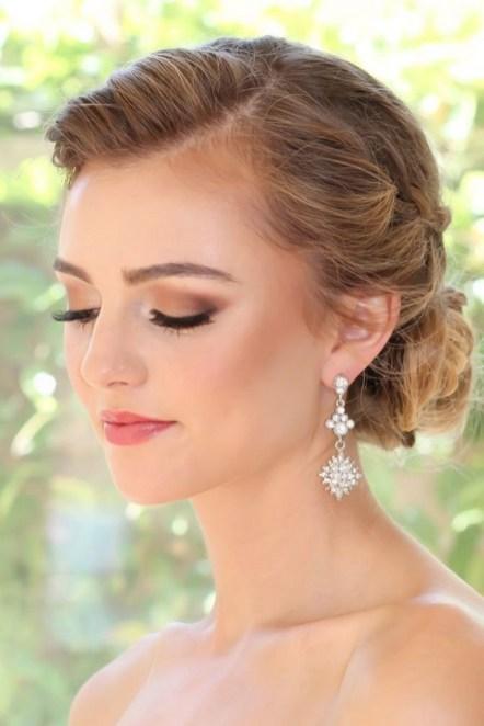 60 Inspiring Natural Bridal Look 32