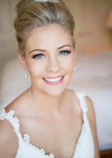 60 Inspiring Natural Bridal Look 37