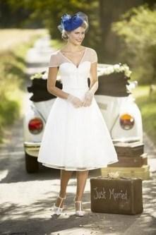 60 Simple Vintage Wedding Dress Ideas 37