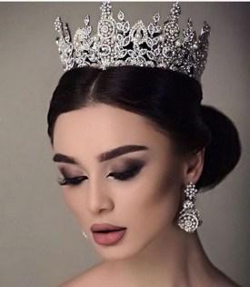 70 Elegant Bridal Crown Wedding Ideas 31