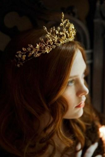 70 Elegant Bridal Crown Wedding Ideas 32