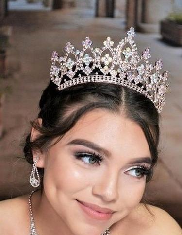 70 Elegant Bridal Crown Wedding Ideas 49