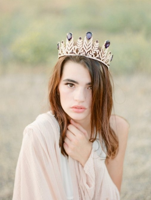 70 Elegant Bridal Crown Wedding Ideas 74