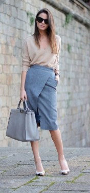 75 How to Wear Sweater for Working Women 17