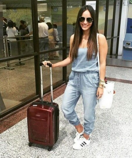 90 Comfy and Fashionable Travel Airport Outfits Looks 15