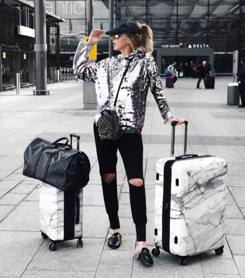 90 Comfy and Fashionable Travel Airport Outfits Looks 16