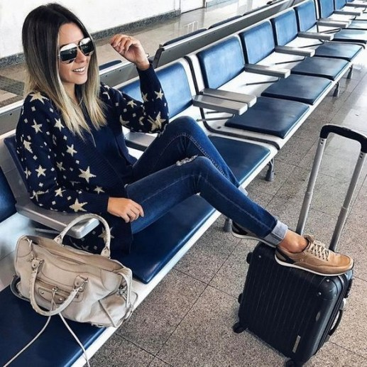 90 Comfy and Fashionable Travel Airport Outfits Looks 29