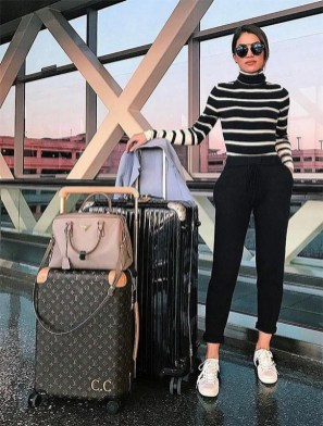 90 Comfy and Fashionable Travel Airport Outfits Looks 56