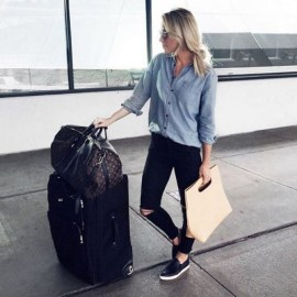 90 Comfy and Fashionable Travel Airport Outfits Looks 59