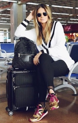 90 Comfy and Fashionable Travel Airport Outfits Looks 6