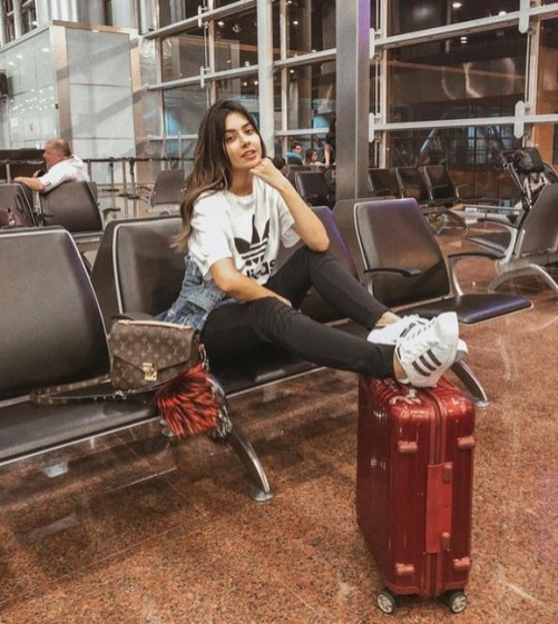 90 Comfy and Fashionable Travel Airport Outfits Looks 62
