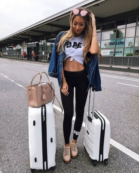 90 Comfy and Fashionable Travel Airport Outfits Looks 63