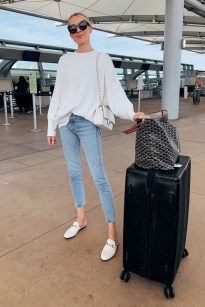 90 Comfy and Fashionable Travel Airport Outfits Looks 64