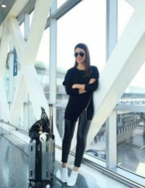 90 Comfy and Fashionable Travel Airport Outfits Looks 72