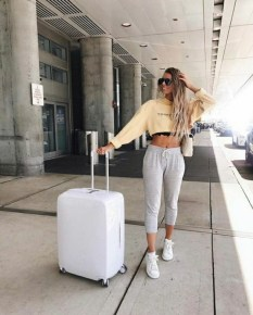 90 Comfy and Fashionable Travel Airport Outfits Looks 78