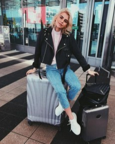 90 Comfy and Fashionable Travel Airport Outfits Looks 84