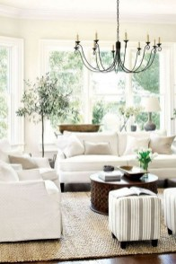 40 Comfy and Luxurious Living Room You Need to See 02