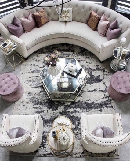 40 Comfy and Luxurious Living Room You Need to See 33
